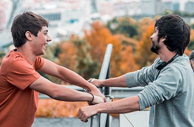 Germán Alcarazu y Mikel Rueda trabajando para El doble más quince